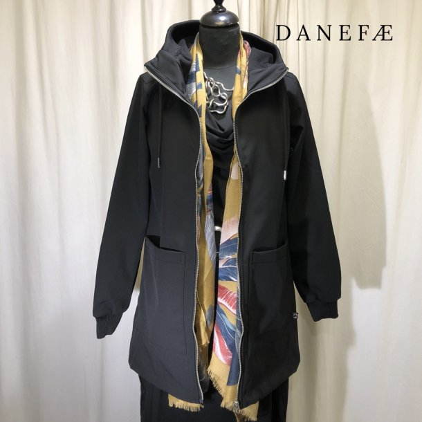 Danefæ softshell jakke med hætte sort