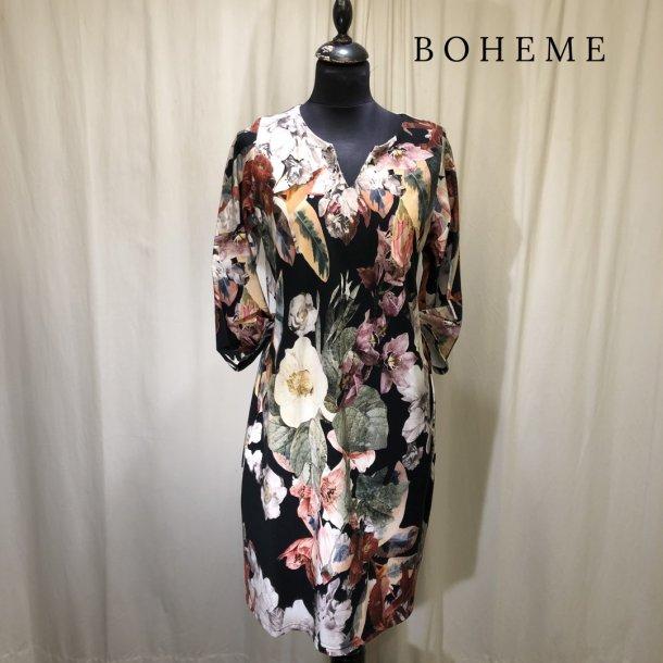 Boheme design kjole med blomster