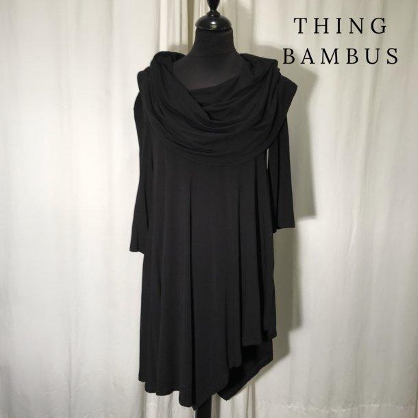 Thing bambus bluse med spids og krave sort
