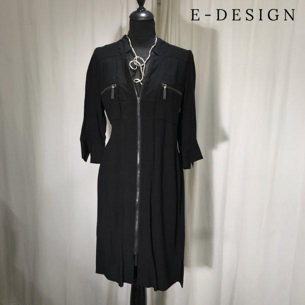 E-Design kjole med 3/4 ærme og lynlås sort